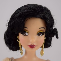 2018 Snow White Disney Designer Collection Premiere Series Doll - Limited Edition - Disney Store Purchase - Deboxed - With Fur Stole (drj1828) Tags: disneystore disneydesignercollection premiereseries 2018 snowwhite snowwhiteandthesevendwarfs purchase 1112inch doll limitededition le4100 deboxed