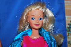 Purple eyes but... (toomanypictures1) Tags: toy show 2018 barbie mattel clothes superstar skipper
