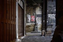 Pulcinella (nietsab) Tags: napoli naples pulcinella via tribunali centro storico centre historique italie italy italia nietsab canon 600d 24mm ngc
