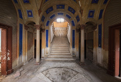 Another world (Alexandre Katuszynski) Tags: urbex ue urbanexploration urbexitaly italy abandoned abandonedcastle abandoneditaly decay derelict decayed discarded stairs lostplaces lowlight light verlassen forgotten