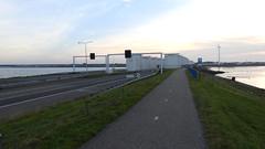 DSCN8820 (DutchRoadMovies) Tags: stevinsluizen afsluitdijk den oever a7 rijksweg ijsselmeer waddenzee bridge lake freeway motorway water sea locks