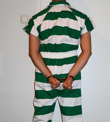jail hopping: different facilities, different clothing, different restraints (rainerzufall1234) Tags: handcuffs handcuffed inmate uniform prisoner jail