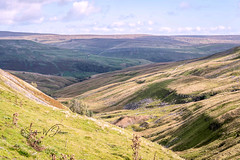 SJ1_0739 - At Buttertubs Pass... (SWJuk) Tags: england unitedkingdom swjuk uk gb britain yorkshire northyorkshire yorkshiredales dales swaledale wensleydale buttertubspass hills hillside moorland moors light shade shadows sky skies clouds 2018 sep2018 autumn holidays nikon d7200 nikond7200 18300mm rawnef lightroomclassiccc