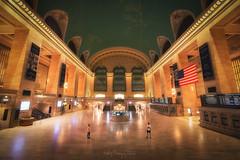 Grand Central Terminal (Andrés Domínguez Rituerto) Tags: newyork unitedstates estación station people usa city street grandcentralterminal sony vanguard zeiss