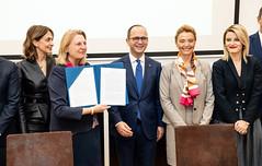Außenministerin Karin Kneissl reist nach Tirana.