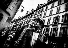 MrXY.jpg (Klaus Ressmann) Tags: fparis france klausressmann lemarais oem1 peoplestreet summer blackandwhite candid flcpeop man streetphotography unposed