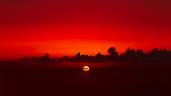 Simply Red (Jörg Bergmann) Tags: lumixgvario35100f4056 panasonic35100mmf4056 panasonicdmcgf7 puestadesol vallegranrey atardecer canaryislands clouds cloudscape españa gf7 gomera horizon lumix m43 mft micro43 microfourthirds minimalism ocean panasonic red redsky sea september simple sky spain summer sundown sunset tradewinds travel water μ43 hss