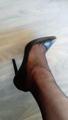 DSC_0488 (grandmacaon) Tags: highheels hautstalons toescleavage talonsaiguille lowcut lowcutshoes sexyheels stilettos