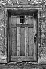Ceres Church Door (RagbagPhotography) Tags: ceres fife scotland church door religious detail old mausoleum lock latch mono monochrome blackandwhite black white architecture brick sandstone