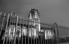 Anglican Cathedral (Manuel Goncalves) Tags: 35mmfilm epsonv500scanner nikonn90s ilfordhp5 liverpool anglicancathedral blackandwhite