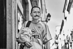 Lissabon Gente de Lisboa 117 bw (rainerneumann831) Tags: bw blackwhite street streetscene ©rainerneumann urban monochrome candid city streetphotography blackandwhite mann lisboa lissabon gentedelisboa