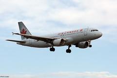 pl28oct17aca32024 (lanpie012000) Tags: montreal montréal yul cyul aircanada airbusa320211 cfgys fin219