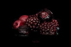 Blackberries & Blueberries (Inky-NL) Tags: macromondays bfood ingridsiemons©2018 foodwithab food berries blueberries blackberries bramen bosbessen lowkey bosvruchten water fujixt2 fuji60mmf24 macro vruchten fruit fruits healthy blackbackground