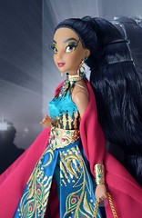 2018 Jasmine Disney Designer Collection Premiere Series Doll - Disney Store Purchase - Boxed - Inner Box - Uncovered - Midrange Right Front View (drj1828) Tags: disneystore disneydesignercollection premiereseries 2018 jasmine doll collectible 1112inch limitededition le4000 instore purchase boxed opened