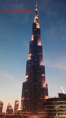 Burj Khalifa de Dubái (Juan Carlos Aristu) Tags: atardecer anochecer dubai cielo ciudad discovery edificio eos eau emiratosarabesunidos ea emiratosárabes flickr flickrestrellas gente igersworld plaza macrofotografia macrofotografía nature paisaje arquitectura rascacielos turismo torre world