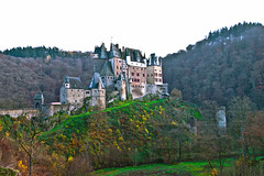 Burg Eltz (320m), Wierschem (Rheinland-Pfalz) - Germany* (0436) (Le Photiste) Tags: clay burgeltz320mwierschemrheinlandpfalzgermany wierschemrheinlandpfalzgermany germany ganerbenburg medievalhillcastle holidays happyholidays summerholidayseason ferien vacances vacations perfectview awesomeview mostrelevant mostinteresting afeastformyeyes aphotographersview autofocus artisticimpressions anticando blinkagain beautifulcapture bestpeople'schoice creativeimpuls cazadoresdeimágenes canonflickraward digifotopro damncoolphotographers digitalcreations django'smaster friendsforever finegold fairplay greatphotographers groupecharlie peacetookovermyheart clapclap hairygitselite ineffable infinitexposure iqimagequality interesting inmyeyes livingwithmultiplesclerosisms lovelyflickr lovelyshot myfriendspictures mastersofcreativephotography momentsinyourlife magicmomentsinyourlife ngc niceasitgets photographers prophoto photographicworld planetearthbackintheday photomix soe simplysuperb showcaseimages simplythebest simplybecause thebestshot theredgroup thelooklevel1red vividstriking wow worldofdetails yourbestoftoday forest trees hill ancientcastle germancastle