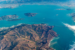 181019 HND-SFO-04.jpg (Bruce Batten) Tags: aerial atmosphericphenomena automobiles bay boats bridges buildings businessresearchtrips california cloudssky goldengate locations northpacificocean occasions oceansbeaches sanfranciscobay shadows subjects surfwaves transportationinfrastructure trips usa vehicles