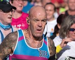 Runner, Great South Run 2018, Portsmouth, Hampshire, UK (rmk2112rmk) Tags: runner greatsouthrun2018 portsmouth greatsouthrun dof tattoo