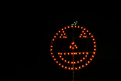 g&m farms halloween corn maze (pbo31) Tags: bayarea eastbay alamedacounty california october 2018 fall nikon d810 color night dark boury pbo31 halloween holiday decorations livermore lights pumpkin farm maze decoration gm black orange display