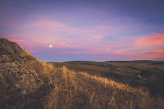 The moon at sunset in Aubrac (Chloé +++) Tags: moon lune sunset coucher de soleil aubrac france occitanie sky ciel clouds pink colours colorful couleurs bleu doré golden field road route champs canon eos400d landscape paysage