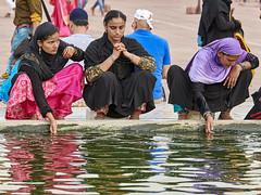 Jama Masjid, Delhi - India (Joao Eduardo Figueiredo) Tags: jama masjid delhi india muslim water woman women worship religion nikon nikond850 joaofigueiredo joaoeduardofigueiredo jamamasjid mosque ablution ritual purification