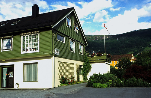 "Norwegen 1998 (257) Innvik • <a style=""font-size:0.8em;"" href=""http://www.flickr.com/photos/69570948@N04/31307863557/"" target=""_blank"">View on Flickr</a>"