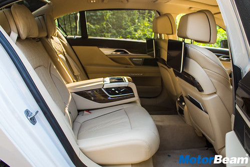 BMW-740Li-6