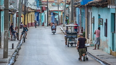 Cuban Street Life (kuhnmi) Tags: people menschen streetphotography street road architecture architektur colorful bunt farbenfroh strasse trinidad cuba kuba town city cityscape traveling travel travelphotography