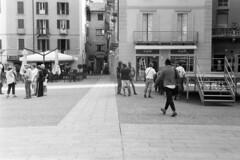 Piazza Volta n. 0562 (sirio174 (anche su Lomography)) Tags: centovolte piazza piazzavolta waynewang smoke film movie como italia italy