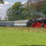 Loenen 23 071 met passagierstrein 57 met NSM rijtuigen naar Dieren thumbnail