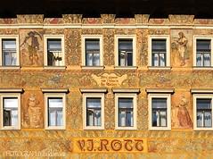 VJ ROTT BUILDING (PHOTOGRAPHY|bydamanti) Tags: prague czechrepublic cz europe iphonex vjrottbuilding building wall decorativewall oldtown oldtownsquare