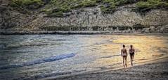 (431/18) Confidencias (Pablo Arias) Tags: pabloarias photoshop ps capturendx españa photomatix mar agua mediterráneo paisaje montaña personas paseo lacala finestrat benidorm alicante