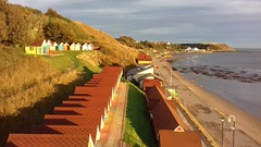 Chalets catching the golden early morning sunrise at Scarborough's North Bay, 9th Oct 2018. (Dave Wragg) Tags: scarborough northbay beachhuts sunrise seaside chalets yorkshire thesands