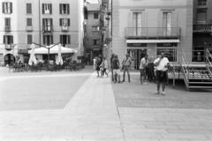 Piazza Volta n. 0564 (sirio174 (anche su Lomography)) Tags: centovolte piazza piazzavolta waynewang smoke film movie como italia italy