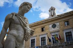 DSC_0027_4 (en.putrino) Tags: palermo sicilia italia sicily piazza pretoria massimo teatro statue leone fontana della vergogna acqua cielo nuvole clouds sky italy