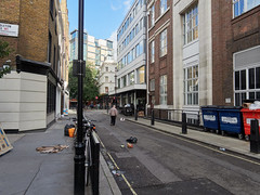 20180921T15-39-10Z (fitzrovialitter) Tags: england gbr geo:lat=5151845000 geo:lon=014132000 geotagged oxfordcircus unitedkingdom westendward rubbish litter dumping flytipping trash garbage peterfoster fitzrovialitter city camden westminster streets urban street environment london fitzrovia streetphotography documentary authenticstreet reportage photojournalism editorial captureone olympusem1markii mzuiko 1240mmpro microfourthirds mft m43 μ43 μft ultragpslogger geosetter exiftool