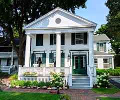 cute house (ekelly80) Tags: michigan mackinacisland august2018 summer upnorth puremichigan cute house white