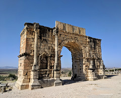 Arch of Caracalla (jmaxtours) Tags: archofcaracalla volubilis volubilismorocco morocco ruins romanruins roman archaeology 3rdcenturybc arch architecture