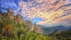 (450/18) desde las alturas (Pablo Arias) Tags: pabloarias photoshop ps capturendx españa photomatix nubes cielo arquitectura paisaje montaña hierba campanario castillo guadalest alicante