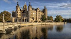 Schwerin Castle. Explored 19.10.2018 #78 (:: Blende 22 ::) Tags: lakeschwerin schwerincastle germany german capitalofmecklenburgvorpommernstate residenceofthemecklenburgvorpommernstateparliament builtbetween1845and1857 gottfriedsemperfriedrichauguststülergeorgadolfdemmlerandernstfriedrichzwirner romantichistoricism designatedtobecomeaworldheritagesite neuschwanstein north nikname mecklenburgvorpommernstate canoneos5dmarkiv ef2470mmf28liiusm abigfave