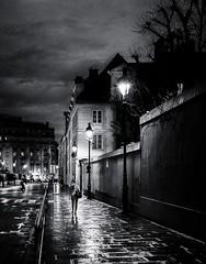 Le manteau de la nuit (christiandumont) Tags: streetphotography streetphoto streetlife street blackandwhite blackwhite noiretblanc bw nb rue night nuit pluie rain paris x100f fujifilm absoluteblackandwhite