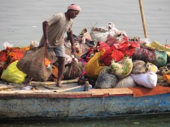 varanasi 2017 (gerben more) Tags: boat man workman work bandana colours varanasi benares india ganges ganga