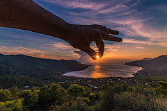Don't let the sun go down (Vagelis Pikoulas) Tags: sun sunset sunshine sunburst porto germeno greece europe sea seascape landscape sunrays canon 6d tokina 1628mm october 2018 autumn