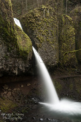 Horsetail Falls, September 2016 (Gary L. Quay) Tags: horsetailfalls waterfall columbiagorge columbiarivergorge oregon pacificnorthwest nikon garyquay