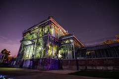 Greenhouse (syl20_44) Tags: loire atlantique france nocturne jardin plantes lights night starry stars sky syl20 sylvain canon 70d tokina pano colours trees arbre ciel greenhouse serre