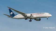 N183AM  Boeing 787-9 Dreamliner - Aeroméxico (Peter Beljaards) Tags: plane jetliner aircraft ams eham nikond5500 nikon70300mmf4556 aviationphotography aeroméxico dreamliner boeing7879 msn60285 2xgenx 787 airplane boeing787 final landing