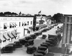 Tennessee Avenue (lakelandlibrary) Tags: commercial district businesses automobiles munn park
