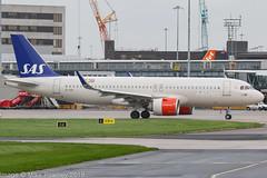 EI-SIE - 2017 build Airbus A320-251N, taxiing for departure at Manchester (egcc) Tags: 8058 a320 a320251 a320251n a320neo airbus egcc eisie gormviking lightroom man manchester ringway sas sk szs scandinavianairlines scandinavianairlinesireland scandinavianairlinessystem sharklets staralliance