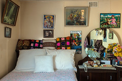 Newport (Westographer) Tags: newport melbourne australia westernsuburbs suburbia bedroom decorations prints cushions oldschool australiansuburbia