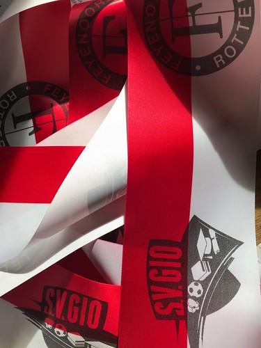 100mm rood wit lint met zwart bedrukt Feyenoord Giovanni van Bronkhorst Foundation